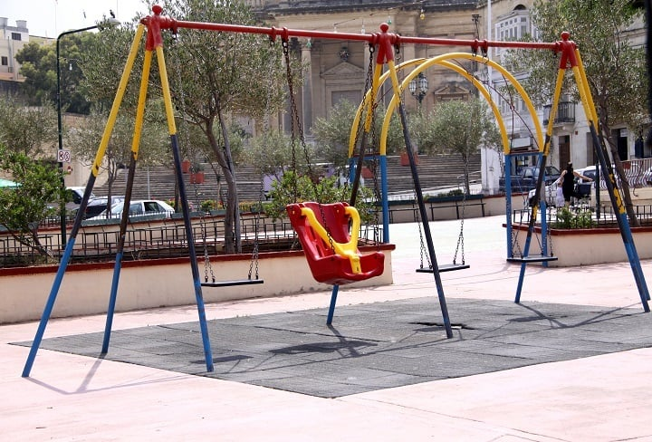 Pros and Cons of Playground Rubber Mats