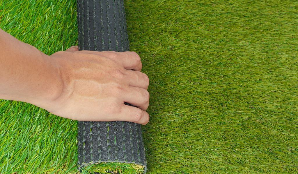 Differences Between Real and Artificial Grass Mats