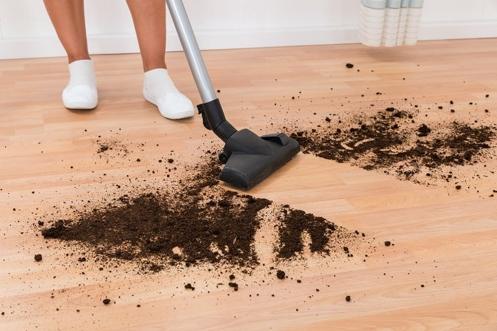 Hardwood Floor Vacuums vs Mold and Other Hard Stains