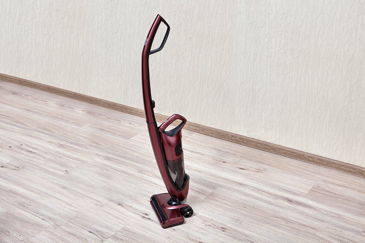 Plug-in vs Cordless Upright Vacuum