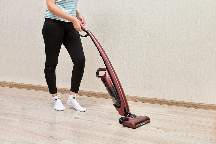 Carpet Cleaner vs Upright Vacuum Cleaner