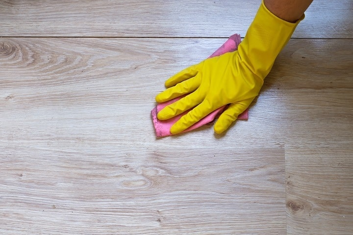 Do's and Don'ts While Cleaning and Maintaining Laminate Floors