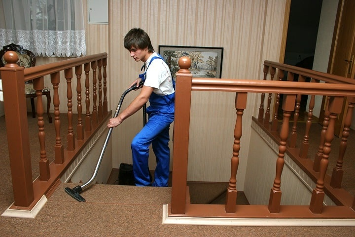 13 Best Vacuums for Stairs – Spotless Cleaning of All Corners